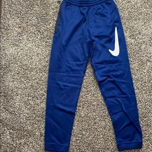 Nike boys straight fit